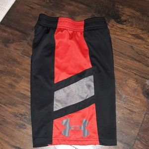 Boys sz Small Under Armour athletic shorts